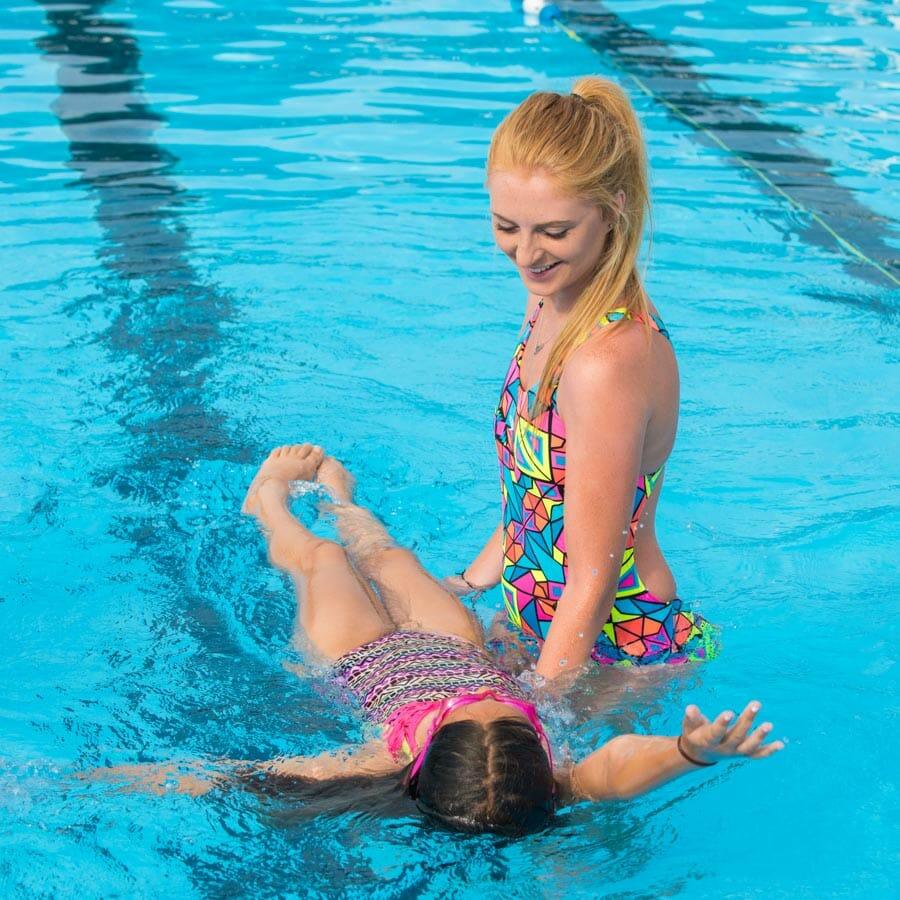 swim-instruction-camper-counselor